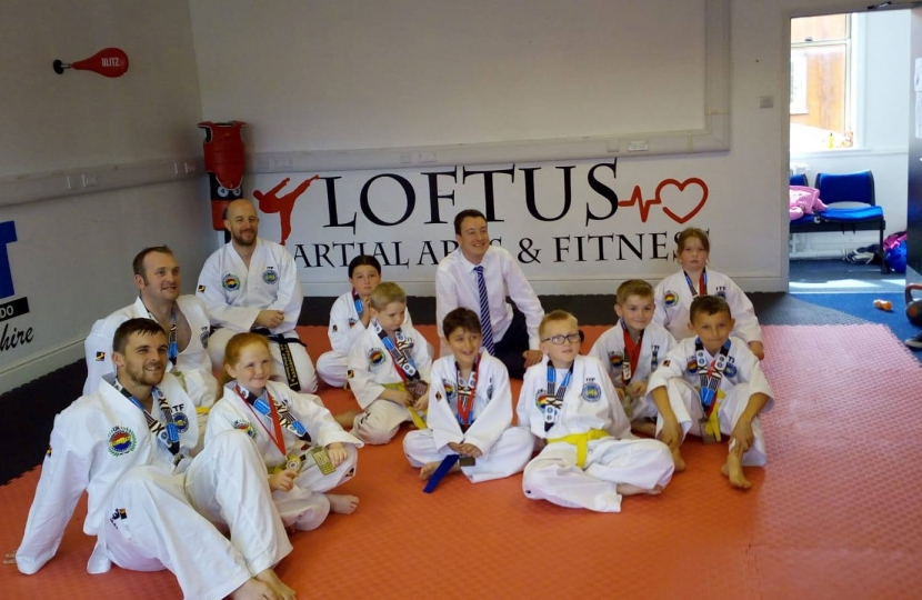 Simon meeting Taekwondo participants of all ages