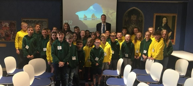 Welcoming local schools to Parliament